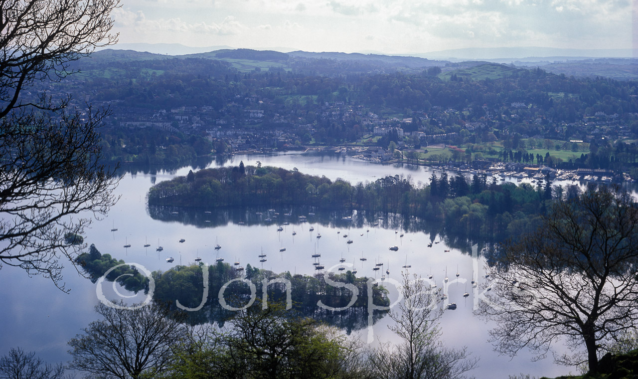 The islands in the middle of Windermere, with Bowness ('Rio') behind.